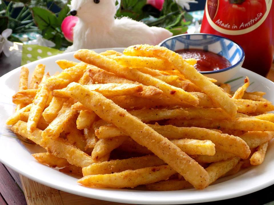 Khoai tây chiên lắc muối ớt giòn tan siêu thơm ngon tại nhà