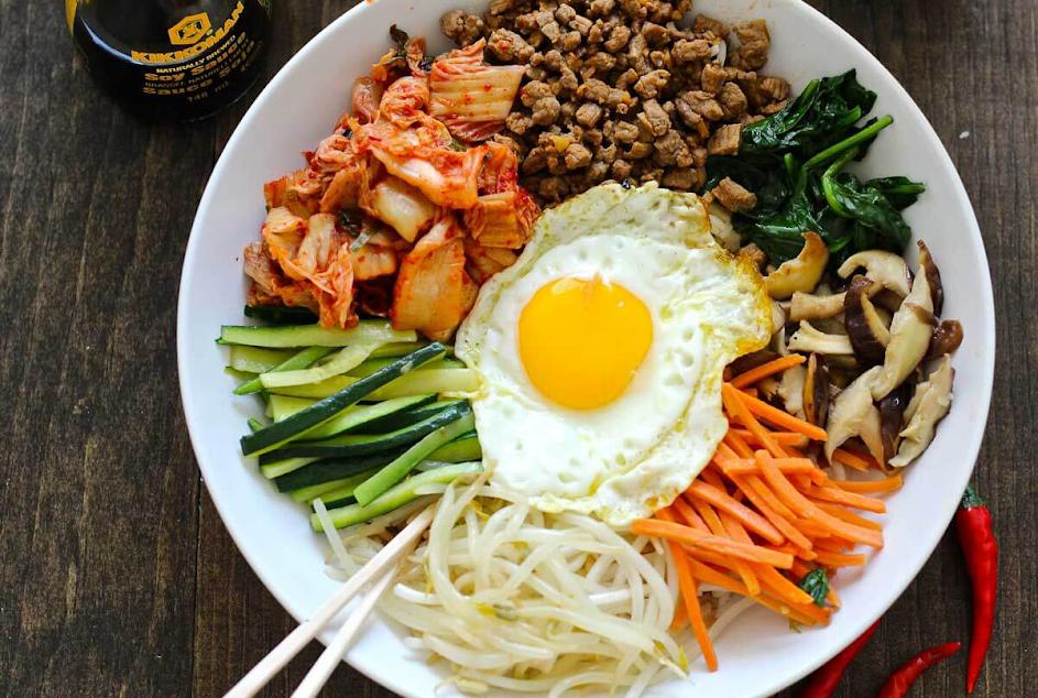 Chỉ với 30 phút làm cơm trộn Hàn Quốc ngon ngon