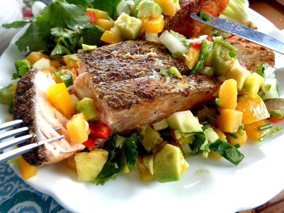 Salad cá hồi đủ chất, ngon miệng, duy trì dáng thon