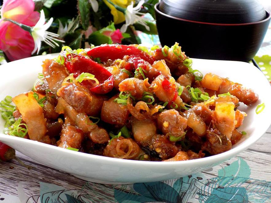 Thịt rim mắm sả ngon xuất sắc cho ngày mưa