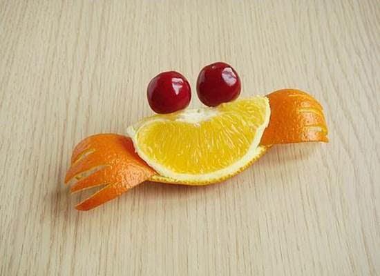 Tạo hình con cua từ quả cam siêu đáng yêu