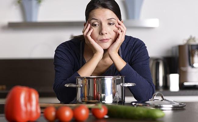 Nêm quá tay thức ăn bị mặn, giải cứu thế nào?