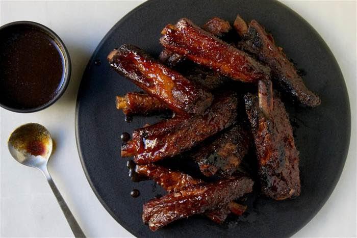 Tự làm sườn nướng BBQ ngon không kém ăn hàng