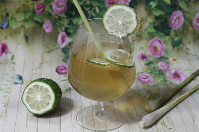 Trà chanh sả thơm lừng, uống nóng hay lạnh đều cực hấp dẫn