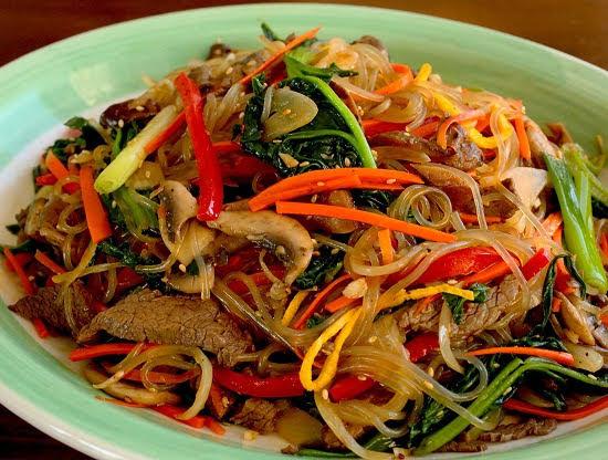 Cách làm miến xào thịt bò rau củ kiểu Hàn
