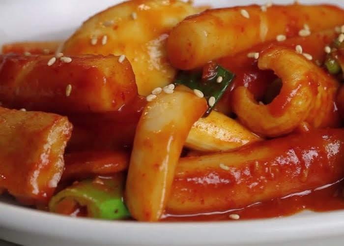 Bánh gạo cay Hàn Quốc siêu ngon siêu cay cho đông này thêm ấm áp