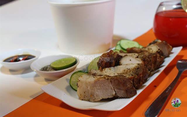 Đơn giản với cách làm thịt heo quay bằng lò nướng