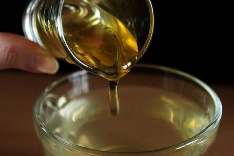 Sai lầm khi pha mật ong với nước nóng?