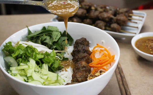 Chi tiết cách làm bún nem nem nướng nổi tiếng Vĩnh Long