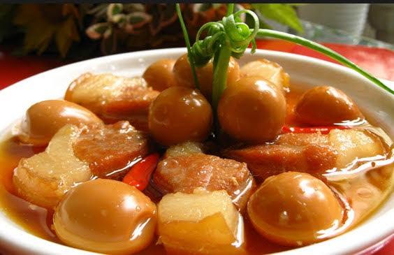 Cách làm thịt kho củ cải trứng cút ngon đậm đà cho bữa cơm gia đình thêm đầm ấm