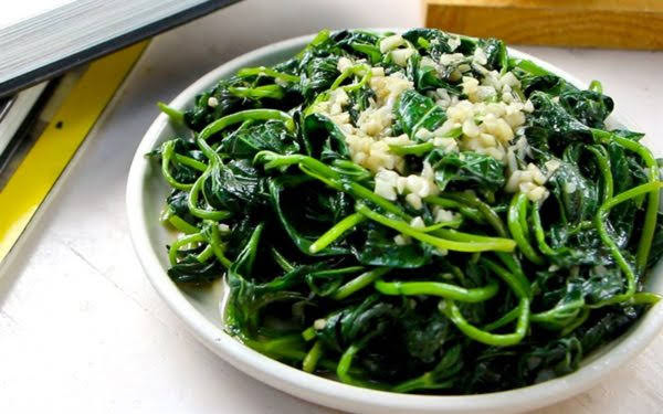 Cách làm rau lang xào tỏi đơn giản, nhanh chóng và thơm ngon