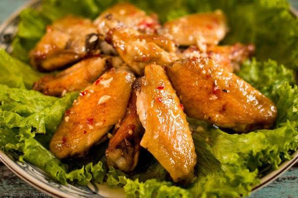 Hướng dẫn cách làm cánh gà chiên bơ ăn là mê