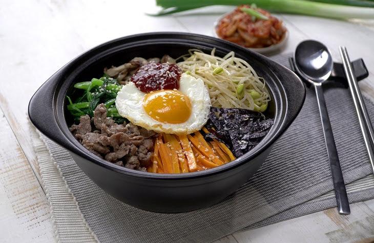Cách làm cơm trộn Hàn Quốc bắt mắt tuyệt ngon