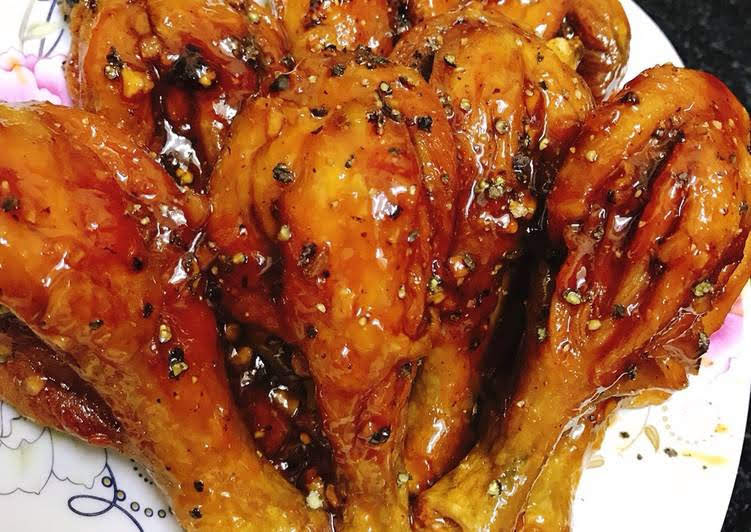 Hết veo nồi cơm với cách làm đùi gà rim tiêu ngon ngất ngây
