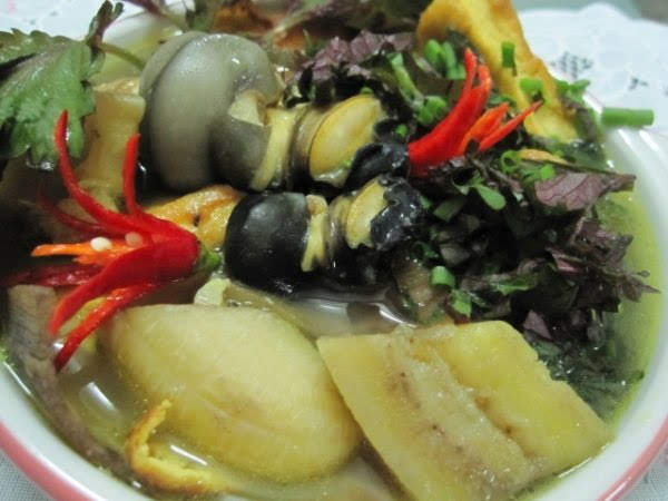 Ốc nấu chuối đậu tía tô lá lốt thơm lừng khó cưỡng