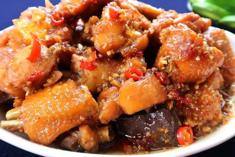 Cách làm gà kho sả ớt ngon đậm đà đưa cơm
