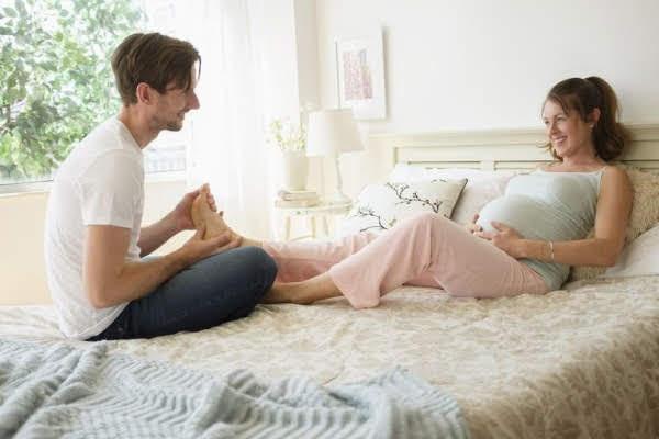 Mách bố cách mát xa cho mẹ bầu để thai nhi sẽ khỏe mạnh thông minh