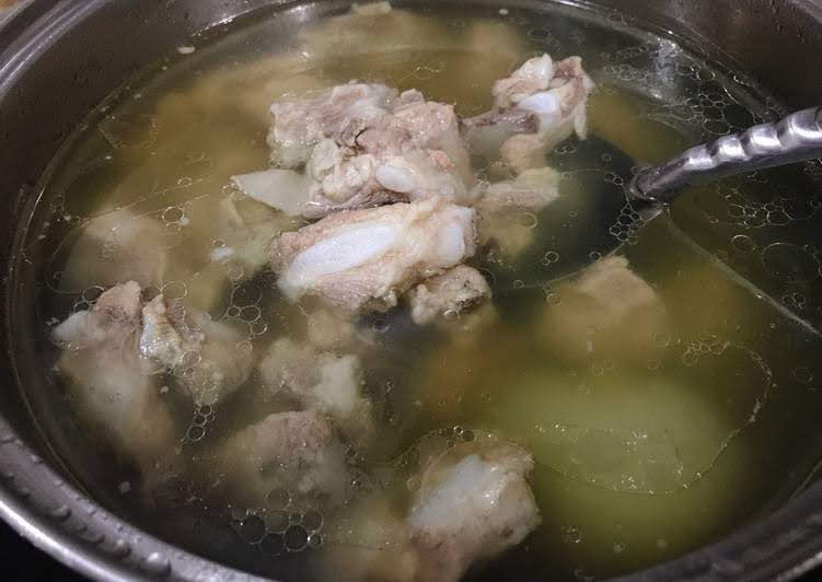 Mẹo hầm xương nhanh nhừ nước vẫn trong lại ngọt thịt
