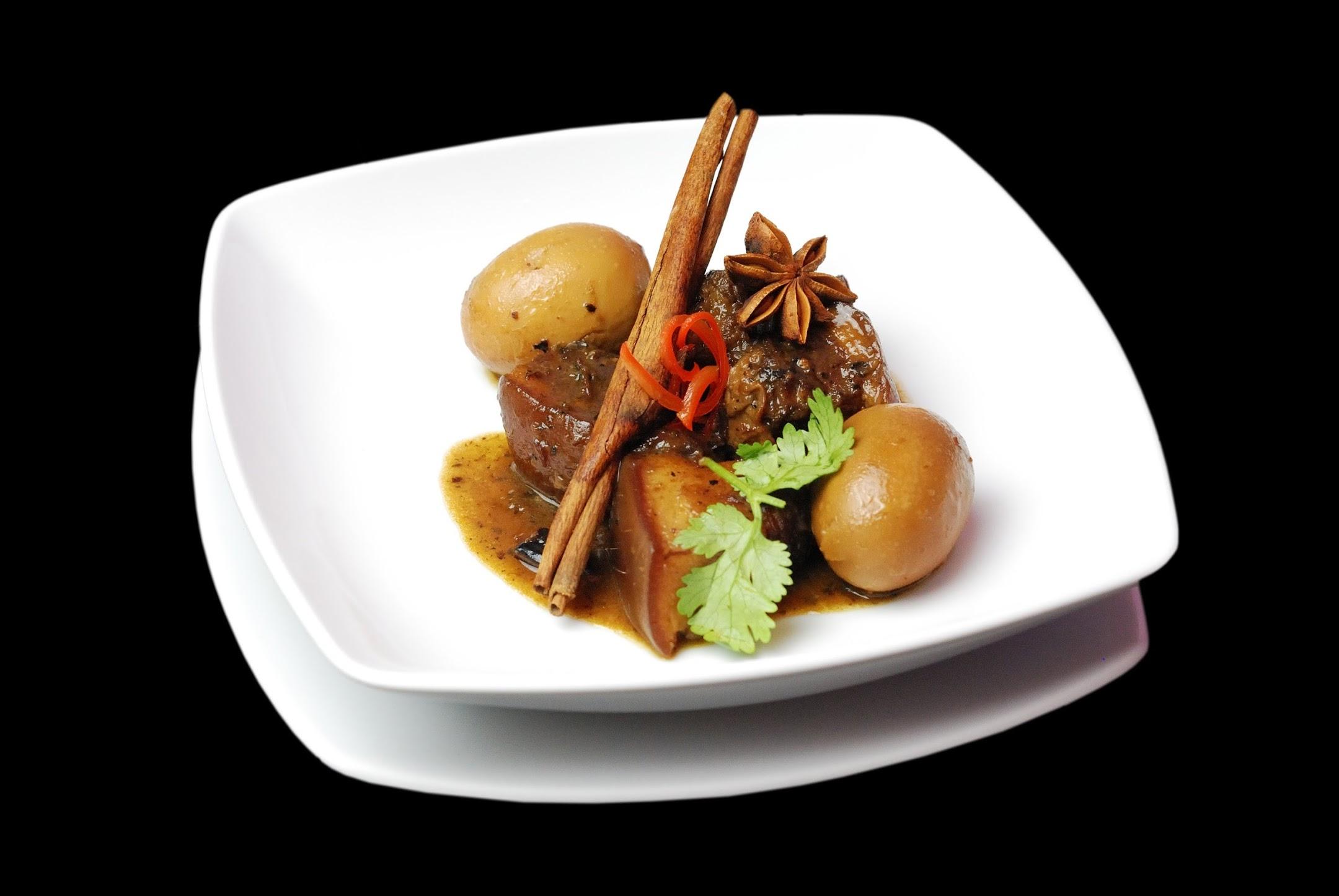 Bí quyết cho món thịt kho nước dừa mỡ trong màu đẹp
