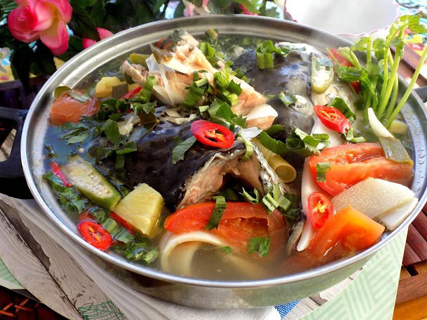 Nạp năng lượng ngày mới với canh chua đầu cá hồi tuyệt ngon