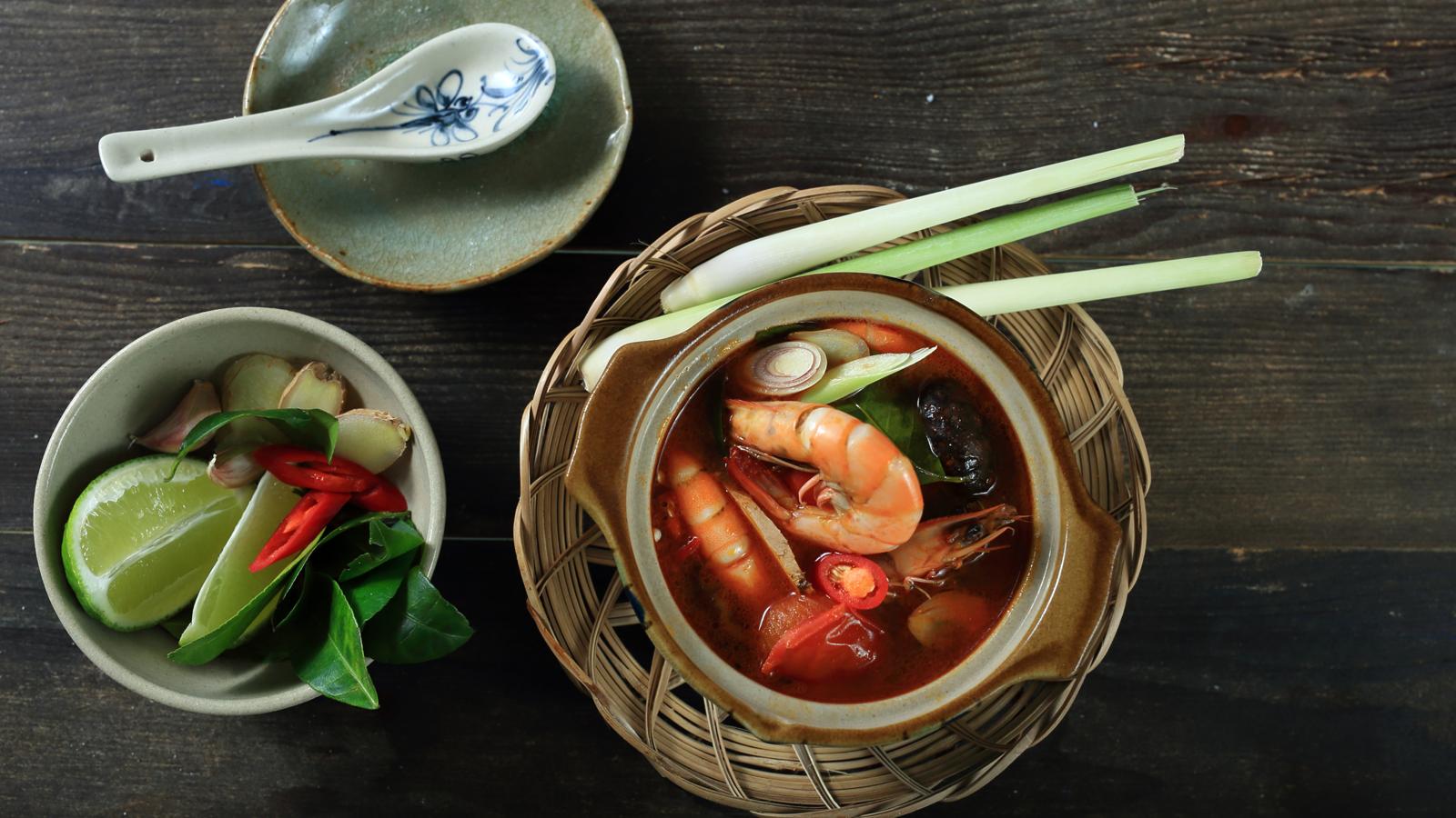 Hít hà với súp tôm kiểu Thái cực ngon lại dễ nấu