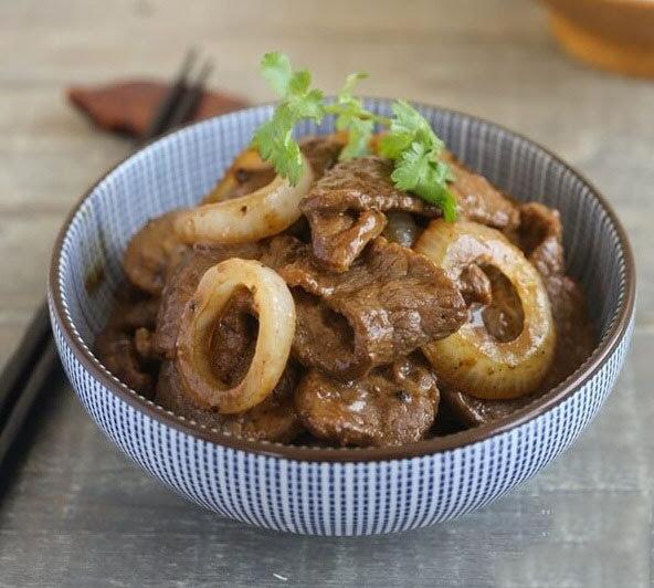 Bò sốt tiêu đen mềm thịt, đậm đà, thơm nồng căn bếp