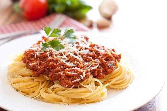 Cách làm món mỳ spaghetti thịt bò đơn giản chuẩn phong cách Ý