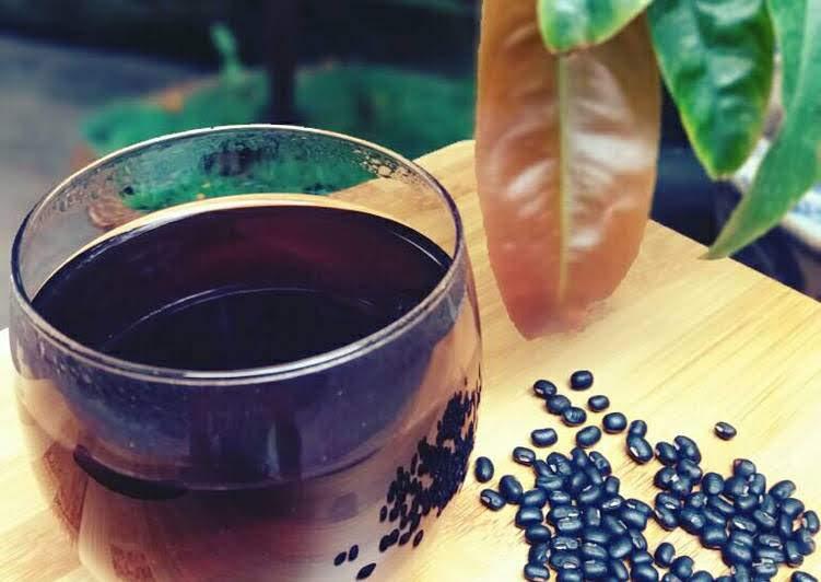 Cách nấu nước đậu đen rang thanh lọc cơ thể, giảm cân, đẹp da