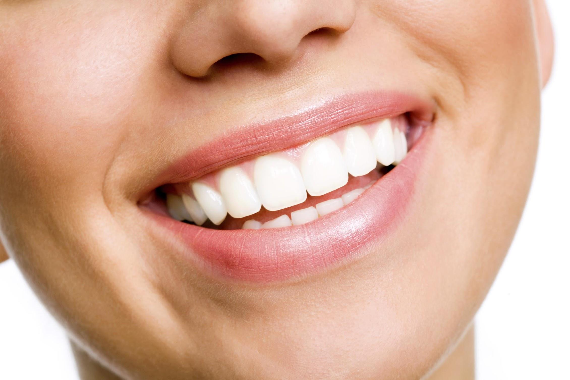 12 thực phẩm giúp răng trắng đẹp tự nhiên